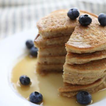 Simple Almond Flour Pancakes