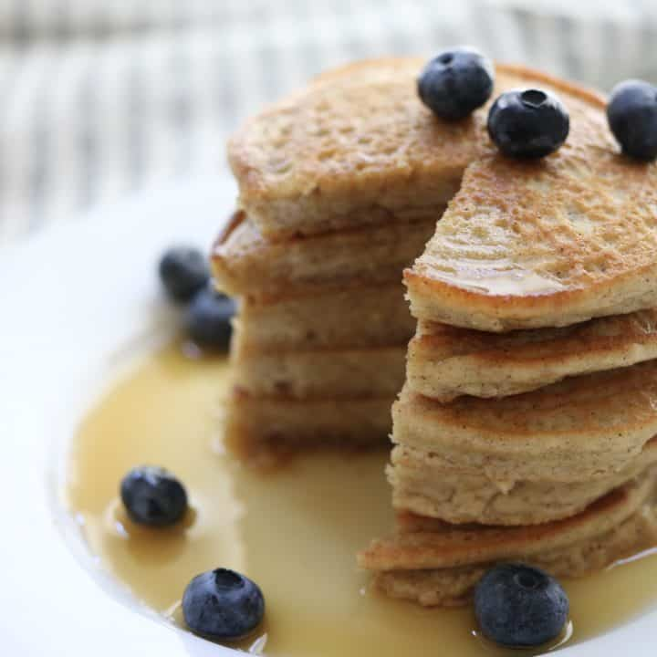 Simple Almond Flour Pancakes